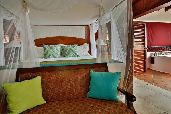 Ocean-view Suite with Hot Tub